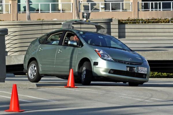800px-Jurvetson_Google_driverless_car_trimmed-620x413